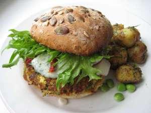 Vegie Burger et ses pommes de terre - Lunch Gourmand - Ghlin